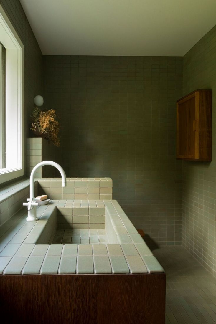 Bathroom Of The Week: Two Bath Remodels With Bold Green Tile In Auckland Part 98