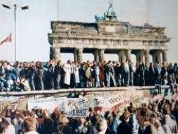 The Berlin Wall Falls 1989