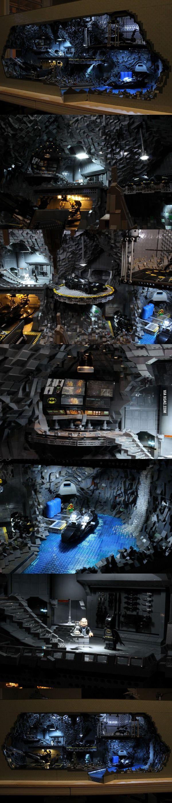 Batmans Bat Höhle aus 20.000 LEGO Teilen lofter….