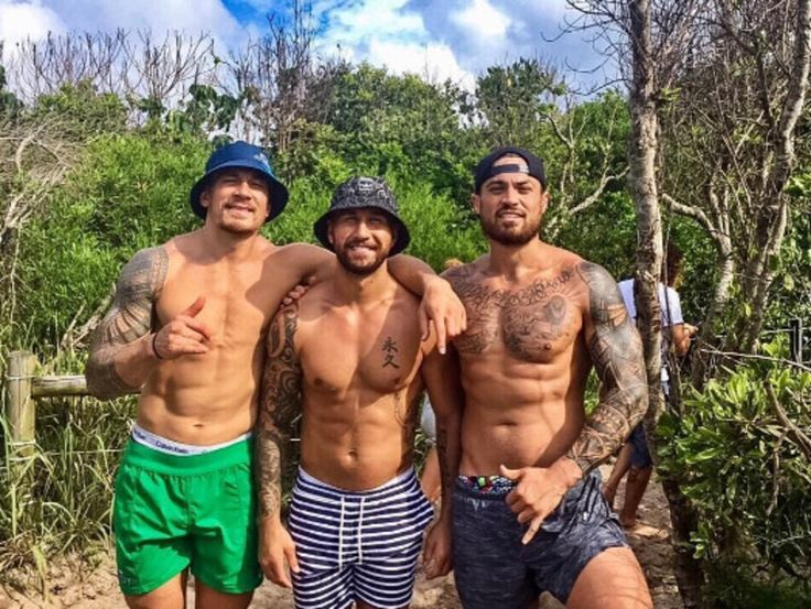 #fasting #primal Rugby star Sonny Bill Williams and pals on the fast track to fitness Taylor - who represented Otago, the Highlanders, the Queensland Reds and Manu Samoa - is one of the high-profile supporters of the Real Movement Project, a fitness initiative which includes a 28-day fasting diet. On Friday, Taylor shared a picture to ...
