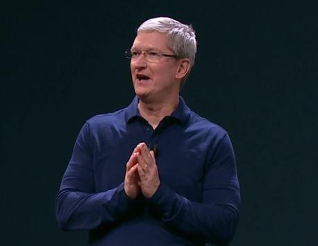 Augmented Reality: Apple mit zwei interessanten Neuankömmlingen - https://apfeleimer.de/2016/09/augmented-reality-apple-mit-zwei-interessanten-neuankoemmlingen - Erst vor kurzem hat sich Apple-CEO Tim Cook zu Themen geäußert, die für Apple interessant sein könnten. Darunter auch Augmented Reality, das Cook sogar als wichtiger und interessanter für die Zukunft ansieht als Virtual Reality. Augmented Reality: Apple verpflichtet zwei Größen Passend dazu ist n...