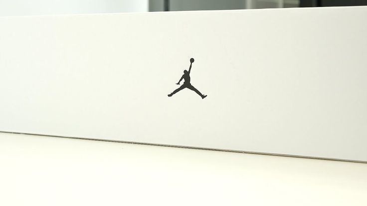 UNBOXING: Michael Jordan's First Sneaker Exclusive as a Player Feels 22 Sneakers...  Michael Jordan's Favorite Retro: https://www.youtube.com/watch?v=cpCm2Llo3x4 Big Thank You to the team over at Jordan Brand for sending me over this really dope sneaker package for an unboxing. The...