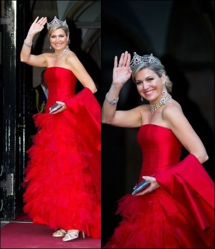 Máxima's best colors - Maxima op haar best in het prachtige heldere rood en met de mooie koninklijke juwelen. (bij- diner Corps Diplomatique | ModekoninginMaxima.nl