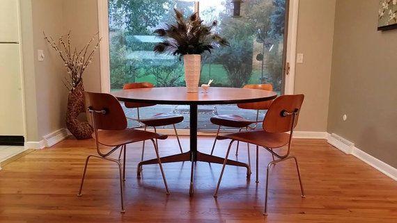 Eames Herman Miller 54 Round Dining, Herman Miller Eames Round Dining Table