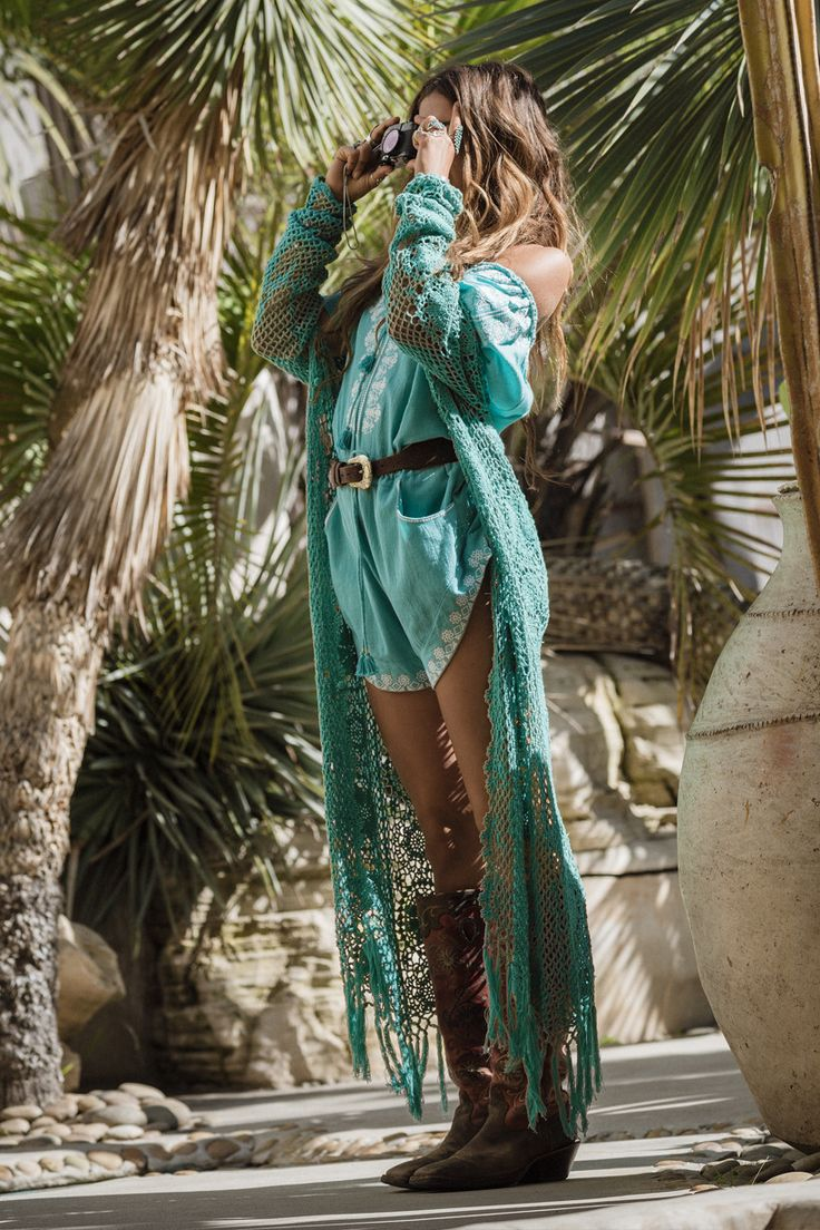 With draping sleeves and a floor-kissing hem, our Kimonos are perfect dressed down over denim cut offs and a rocker tee at a festival. Or pack it as your holiday essential for poolside lounging or simply wear it flowing around the house over your Spell intimates. size & fit  Model is 173cm and is wearing a size OS Length - OS: 134cm Bust - OS: 116cm Sleeve Length - OS: 34cm  details  100% Rayon Original Spell hand drawn print  care  Cool Hand Wash Do Not Bleach Do Not Wring Iron Low Heat...
