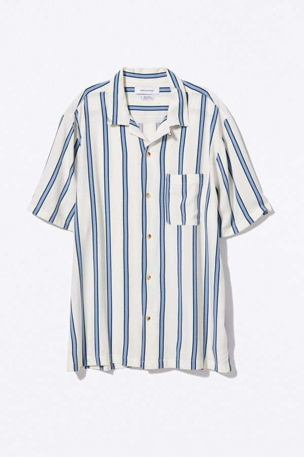 b82061238 Slide View  3  UO Sport Striped Rayon Short Sleeve Button-Down Shirt
