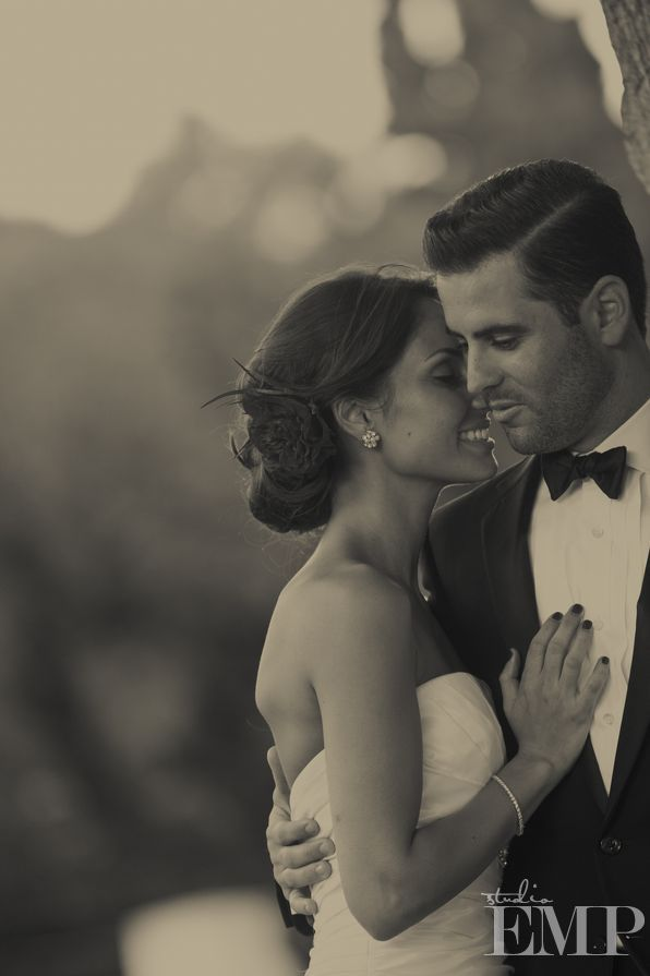 Love the simplicity of this wedding picture.