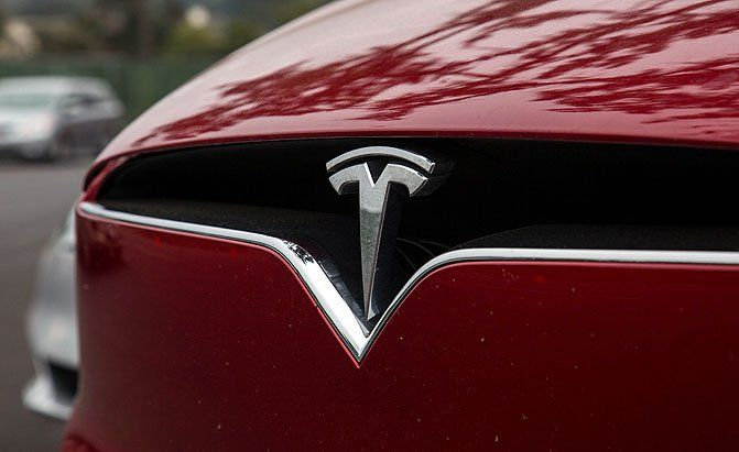 New Tesla P100D Models Are Faster, More Expensive and Have More Range