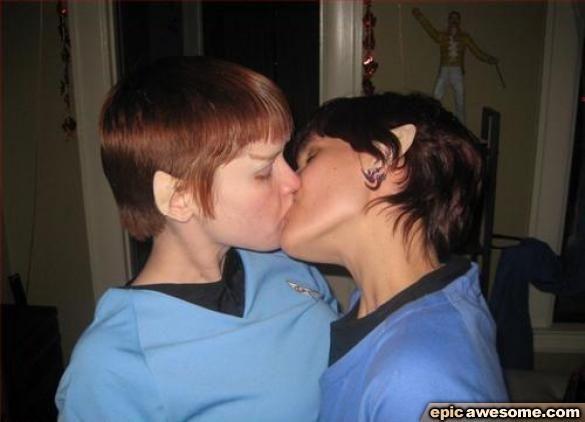Lesbian Porn Stars Kissing