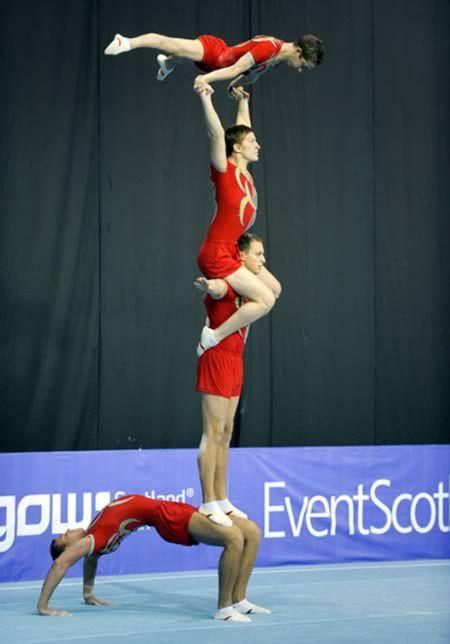 10 Most Extreme Acrobatic Gymnastics - Oddee.com (acrobatic gymnastics, extreme gymnastics)