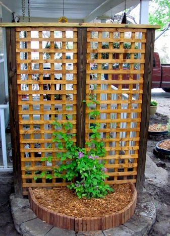 Have Steve build 2 of thes for privacy fence in back yard... Or do it yourself lazy!
