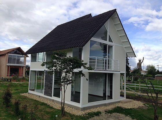 Best 25 casas campestres ideas on pinterest fachadas de for Fachadas de casas campestres