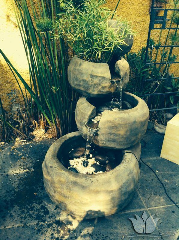 cascada artificial fabricada en fibroresina imitando piedra con 4 cuencos y un papiro natural - Cascadas Artificiales