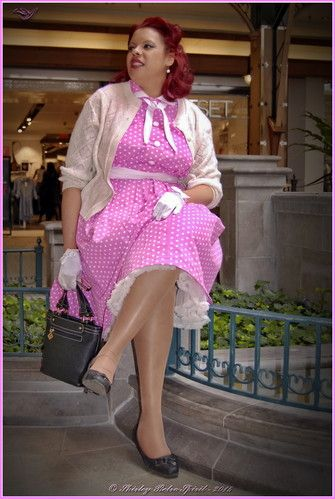 """Retro """"retro spirit"""" reproduction retrofashion antique lutterloh dress Vintage """"polka dots"""" Pinup pink glamour gloves coffee beverage bow Handmade hairstyle """"red lips"""" pose petticoat stockings nylons legs"""