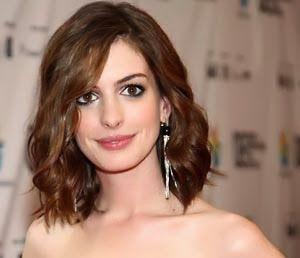 Rosto Oval - Qualquer tipo de corte Se você possui um rosto oval você ganhou o mundo da beleza. Para este perfil de rosto, qualquer tipo de corte de ca ...