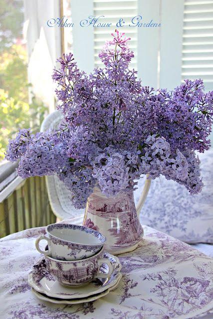 Aiken House & Gardens: Lilacs & Transferware