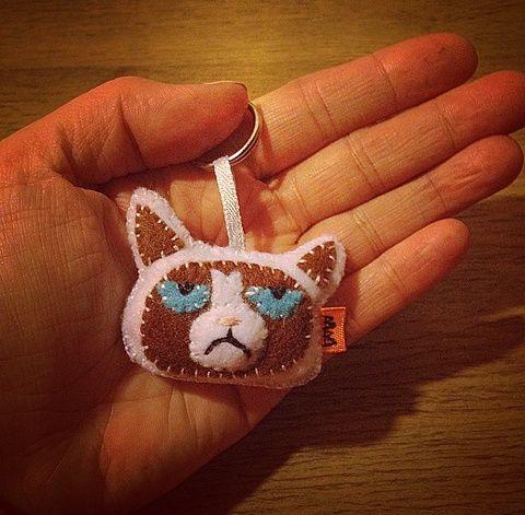 Grumpy Cat filc kulcstartó/táskadísz (BeuArt) - Meska.hu