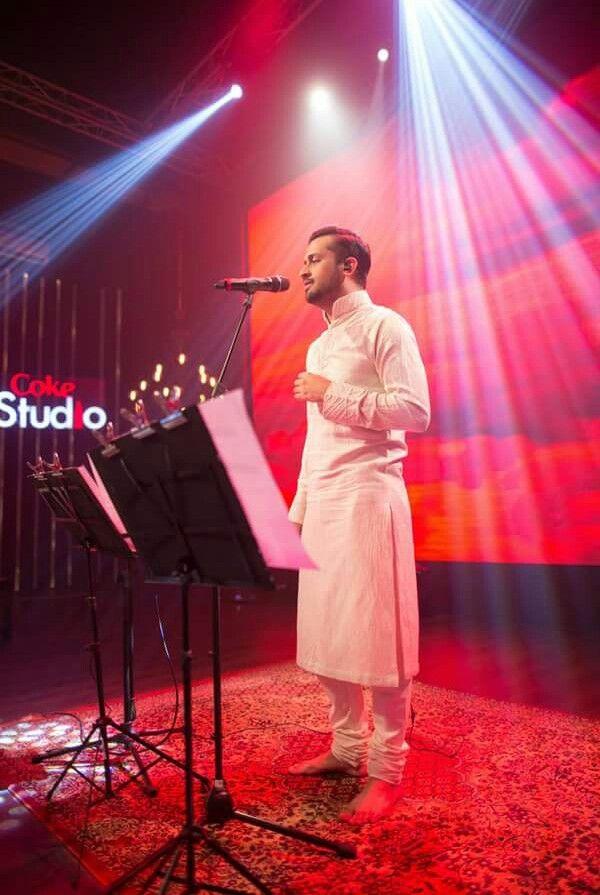 Atif aslam at coke studio season 8 #tajdaar-e-haram