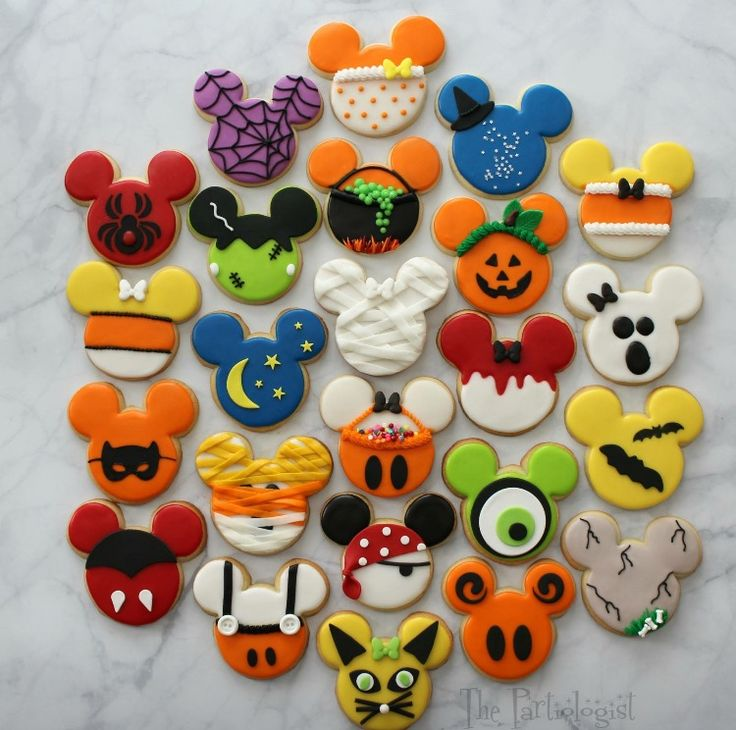 Disney Halloween inspired cookies #mickey #mickeymouse #disney #cookies #baking #halloween #food #foodporn #treats #delicious