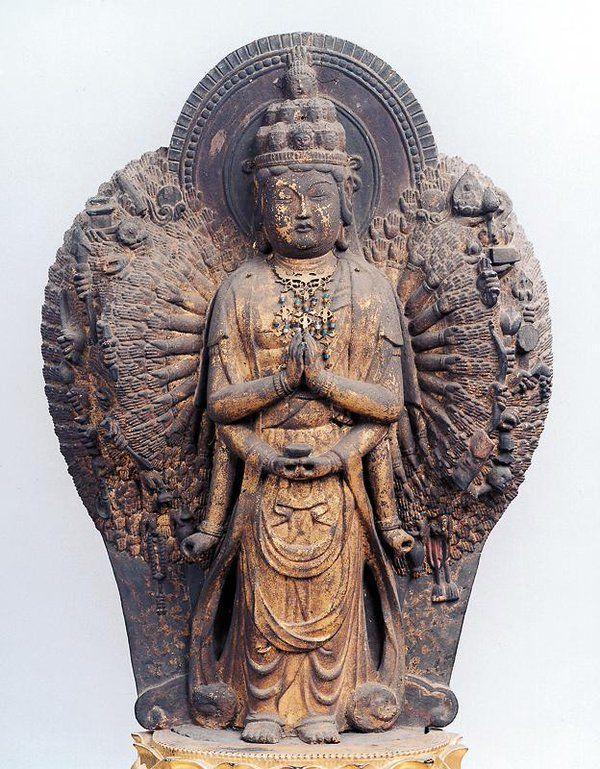 滋賀県/神照寺半肉彫千手観音立像