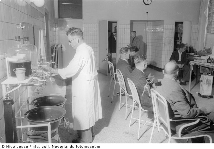 Behandelkamer van de mijnarts, Oranje Nassau Mijnen, Heerlen (1952-1953)