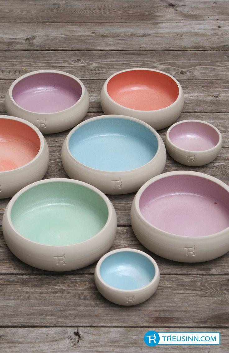 Die Hundenäpfe aus Keramik und auch alle anderen Produkte von Treusinn werden in sozialen Werkstätten in Deutschland in Handarbeit angefertigt. #Treusinn http://www.treusinn.com/hund/hundenapf-keramik-pastell