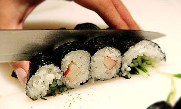 Comida japonesa: como fazer hossomaki, temaki e sashimi em casa - Culinária - MdeMulher - Ed. Abril
