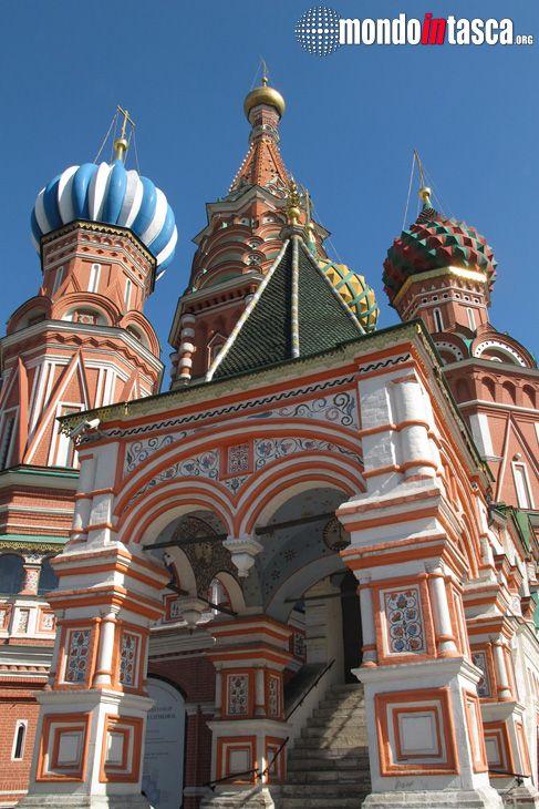 #sanbasilio è parte del Museo Storico di Stato della #russia già dal 1928; dal 1929 è sconsacrata e, dal 1990 è inclusa nel #patrimoniodell'umanità dell'#unesco.
