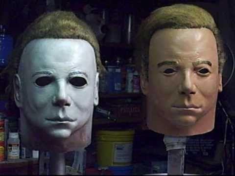 La máscara de Michael Myers utilizada en Halloween es una máscara de Captain Kirk (Star Trek) con algunas cicatrices y pintada en blanco. - See more at: http://culturacolectiva.com/82-datos-curiosos-que-no-sabias-de-las-peliculas-primera-parte/#sthash.4KPkjtRy.dpuf