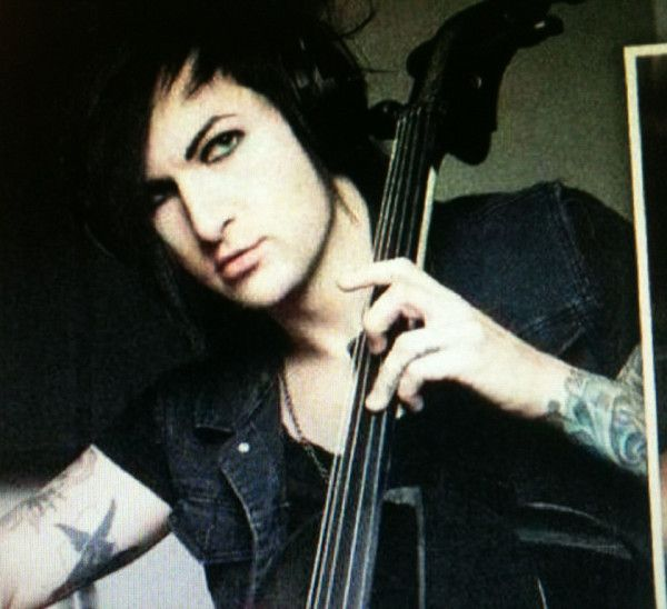 jake pitts without makeup - photo #13