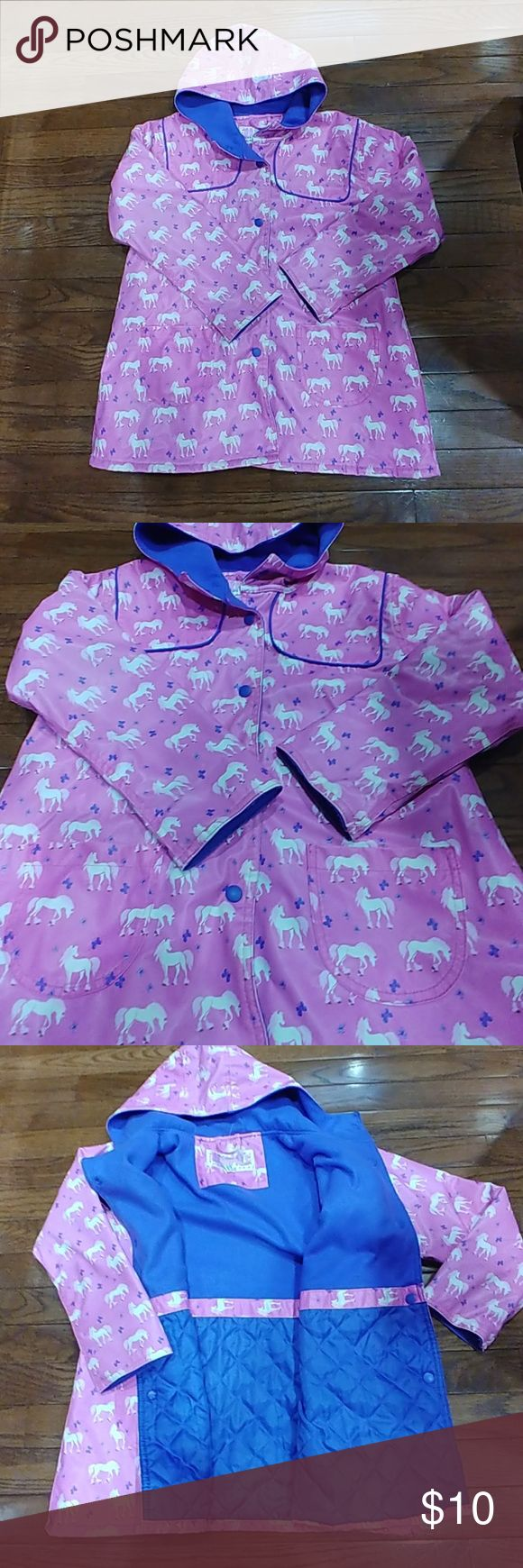 Horse Raincoat Good Used Condition. Signs of wear from normal use. Adorable Horse Raincoat with Fleece Lining. Size Girls' 5/6 Rainpals Jackets & Coats Raincoats