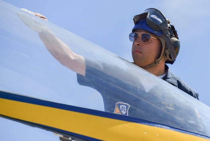 US Navy Blue Angels and the AO Original Pilot sunglasses !  www.aoeyewear-europa.com  #aoeyewear #americanoptical #hgu4p #originalpilot #flightgoggle58 #sunglasses #aviatorsunglasses #occhialidasole #gafasdesol #oculosdesol #zonnebril #sonnenbrillen #aviator #pilot #usarmy #usaf #usairforce #usnavy #usnavyblueangels #blueangels #plane #madeinusa #style #gold