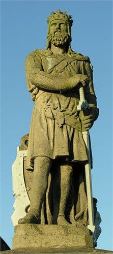 """ROBERT I """"THE BRUCE"""" King of Scotland  Our 20th Great Grandfather.  ROBERT THE BRUCE outside Stirling Castle with the Wallace Monument in the background. http://www.visitdunkeld.com/robert-bruce-statue-stirling-castle-scotland.html"""