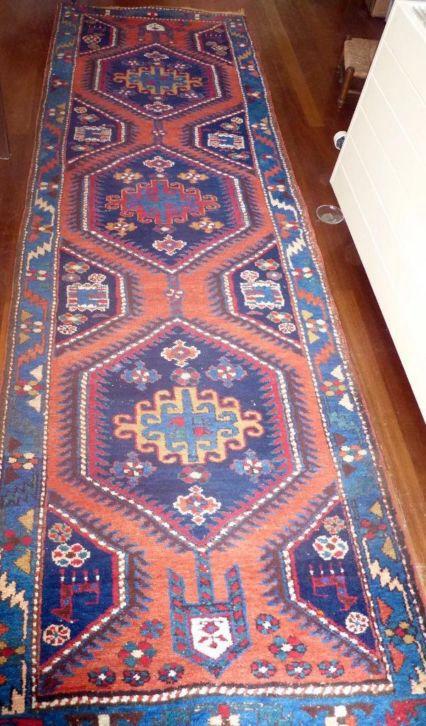 Mooi lang tapijt (ca. 50/60 jr oud)- lengte 3.47 m: http://link.marktplaats.nl/m919775057