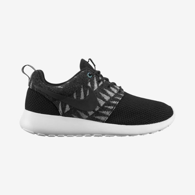 Nike N7 Roshe Run Women's Shoe size 9