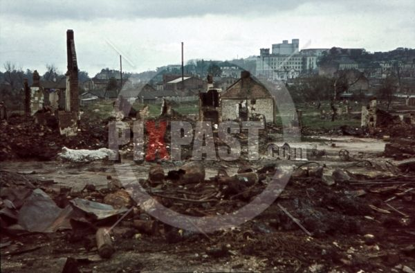 ww2 color slide - destroyed buildings in Minsk, Belarus, Russia 1941 destroyed buildings at the river Swislatsch in Minsk, Belarus, Russia 1941 by Franz Krieger
