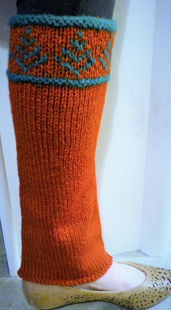 These lovely festive leg warmers are simple to knit and fun to wear!