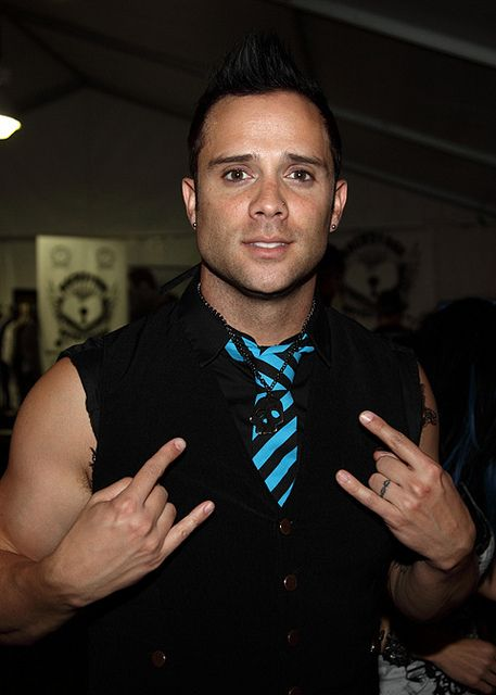 John Cooper Skillet Singer and Bassist with  Skull chain