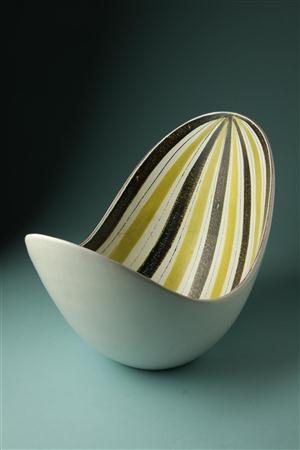 Bowl, designed by Stig Lindberg for Gustavsberg, Sweden.