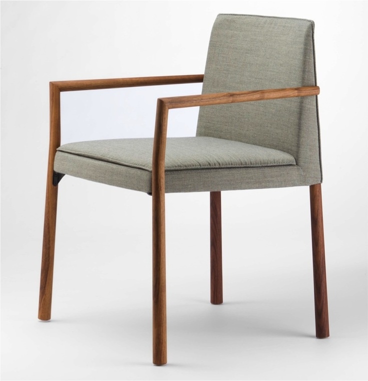 Der Stuhl 190 wird im Interieur 2012 in Kortrijk von Thonet präsentiert.