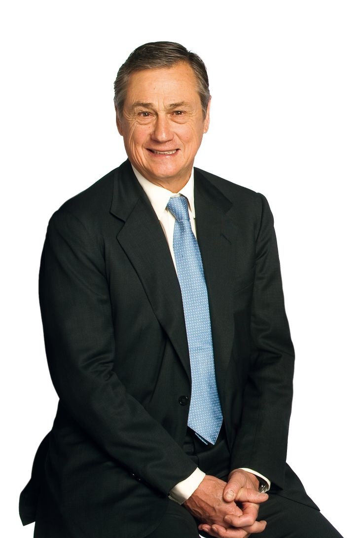 Sir Simon M.Robertson (4Mar1941), banker+businessman. Work:Kleinwort Benson for 34 yrs+as Chairman of the Board. As Pres. of Goldman Sachs Europe. 2004:Board of Directors of Rolls-Royce+Chairman in Jan 2005. Expected to step down bd by the end of 2012. Also the Boards of Directors of HSBC Holdings, Berry Brothers+Rudd+The Economist+the Boards of the London Stock Exchange, Invensys+Inchcape etc http://www.hsbc.com/about-hsbc/leadership/simon-robertson…