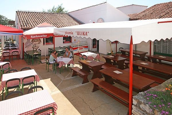 Onze pizzastek op Camping Ulika, Porec