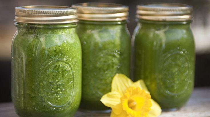 Mason Jars Three Green Smoothies