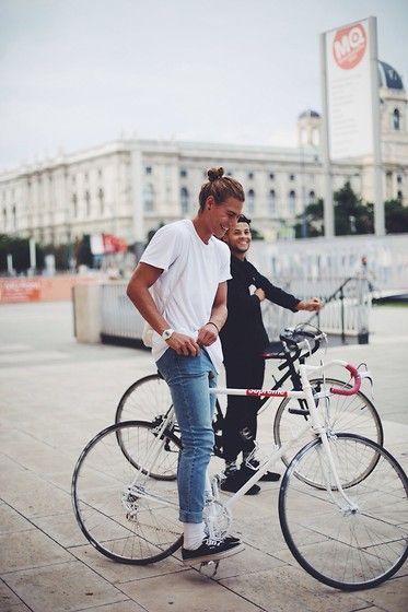 Vans Sneakers, H&M Socks, Cheap Monday Jeans, H&M T Shirt, Baggy, Watch, Supreme Bike
