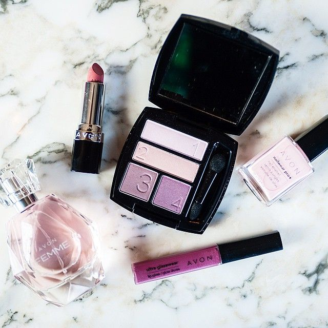 It's always fun to play around with new shades - we love this pink and purple combo! #AvonMakeup