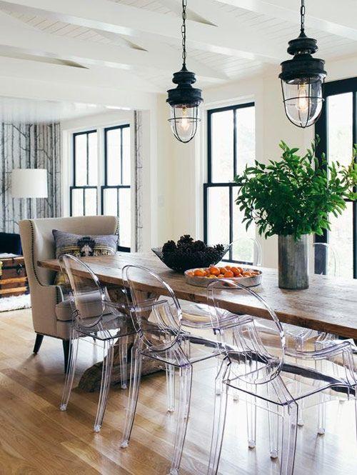 Há algum tempo,falamos aqui sobre as icônicas cadeiras Eames. Continuando a série de cadeiras clássicas para a sala de jantar, falamos hoje sobre as cadei