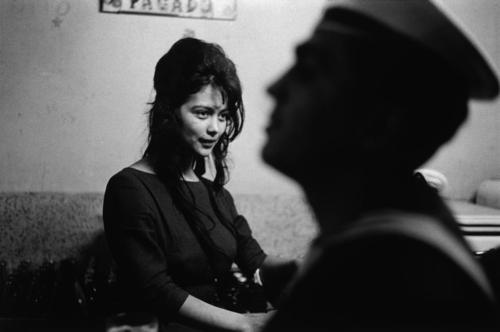 •• © Sergio Larrain •• Cafe, Valparaiso, Chile 1963