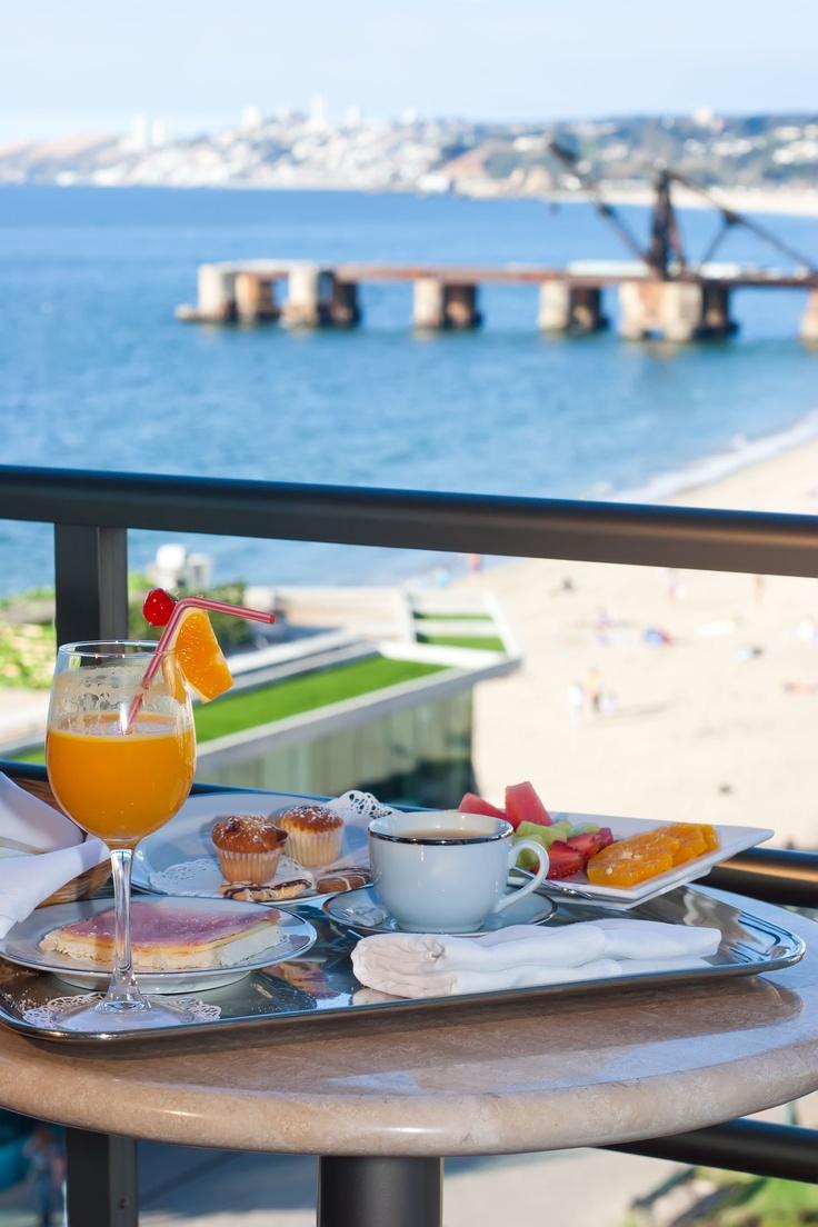 Desayuno frente al mar en #HsmChile #VinadelMar #Chile #Hoteleria #Turismo #Gastronomia #Breakfast