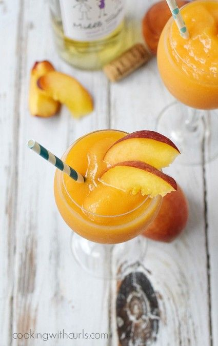 Celebrating friendship and sisterhood with these sweet & sassy Peach Moscato Smoothies featuring #MiddleSister #DropsofWisdom