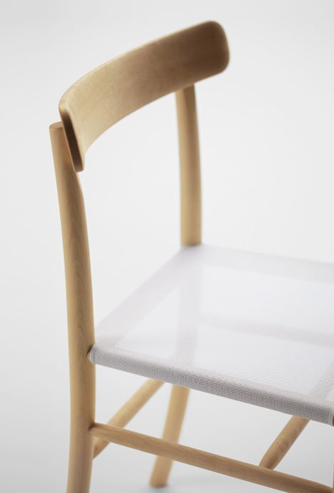 simple chair by jasper morrison